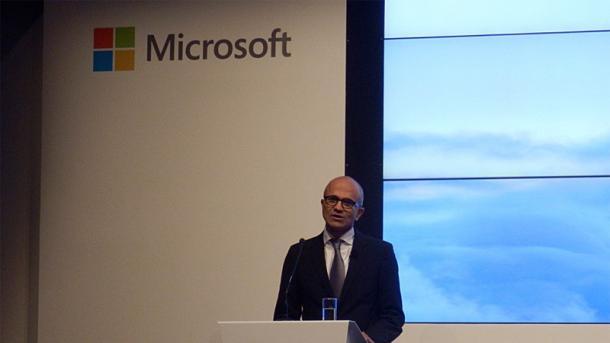 Satya Nadella stellt das neue Cloud-Angebot in Berlin vor