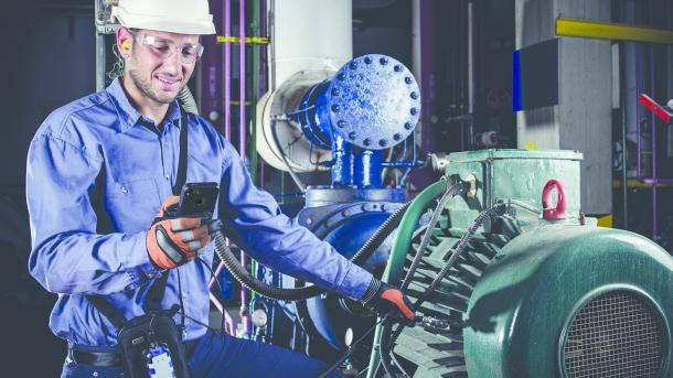 Vibrations- und Ultraschallsensor soll Probleme in Maschinen identifizieren