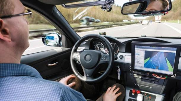 Bundesregierung will Rechtssicherheit für autonomes Fahren schaffen