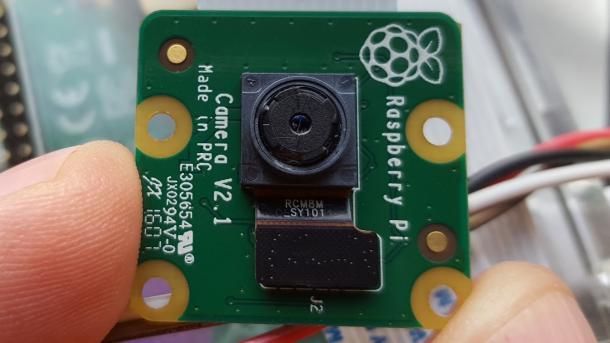 Test: hat die neue raspberry pi kamera einen knick in der optik? make