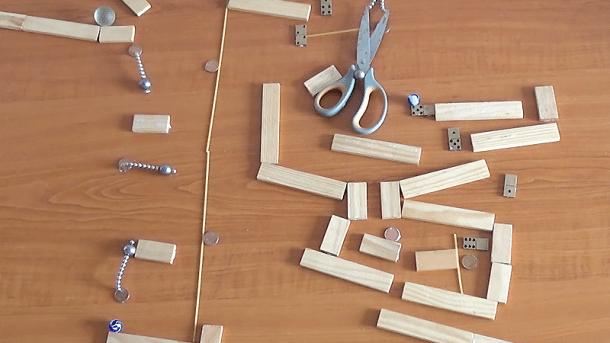 Magnete, Murmeln und etwas Physik: Vier faszinierende Video-Minuten