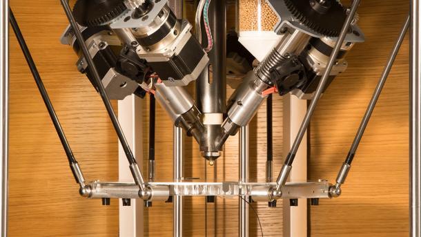 3D-Drucker: Pam verabeitet Pellets und mischt Wunschmaterial
