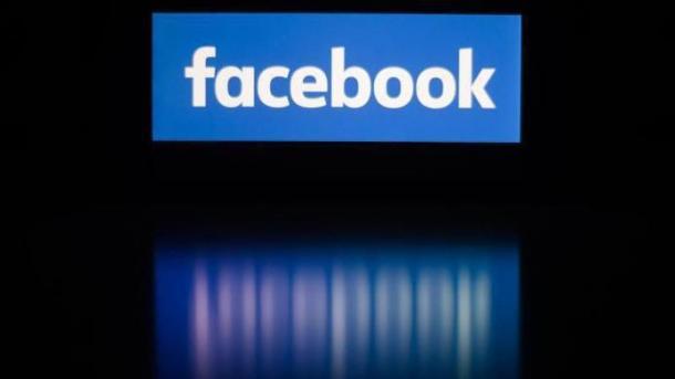 Kooperation bei Ermittlungen: Innenminister drängen Facebook