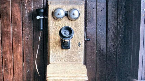 Altes Wandtelefon