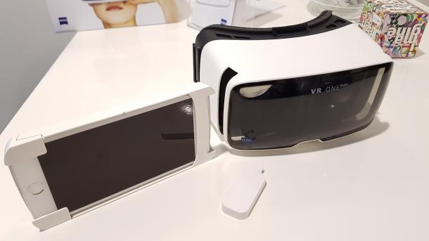 Beste Billige Vr Brille : Angetestet zeiss vr one plus mit universal smartphone schublade