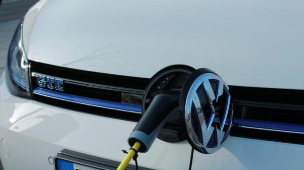 Elektromobilität: Deutsche Autohersteller kooperieren für europäisches Schnellladenetz