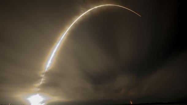 SpaceX: Tausende Satelliten sollen den Globus mit Breitbandinternet versorgen
