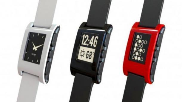 Smartwatch-Hersteller Fitbit bestätigt Kauf von Pebble-Software, Kickstarter zahlt zurück