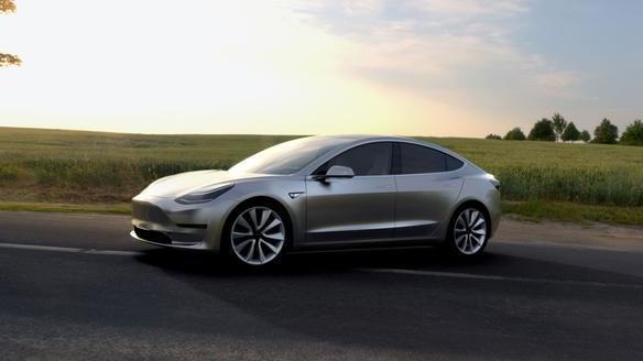 Elektroautos: Tesla verringert seinen Verlust