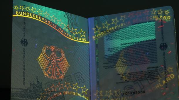 Der neue Reisepass ab 1. März 2017 und einige der Sicherheitsmerkmale