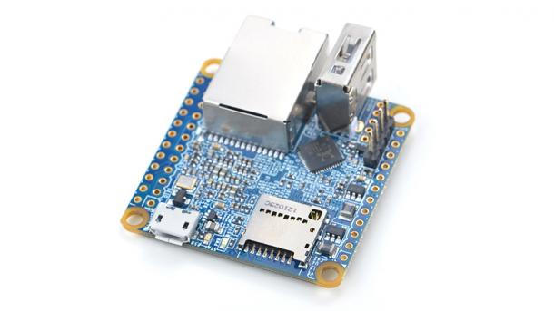 Eine quadratische blaue Platine, der NanoPi Neo 2