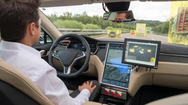 Daimler und Bosch wollen autonomes Auto in fünf Jahren auf die Straße bringen