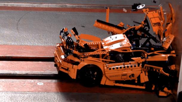 Lego-Porsche im ADAC-Crashtestzentrum: Das spektakuläre Crash-Video
