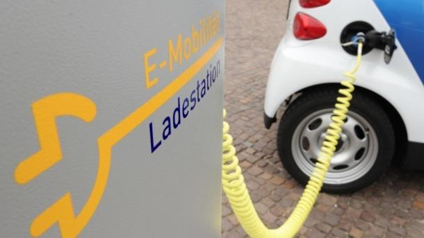Baden-Württemberg will 2000 Ladesäulen für Elektroautos schaffen