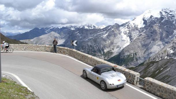 Weltgrößte Rallye mit Elektrofahrzeugen in der Schweiz