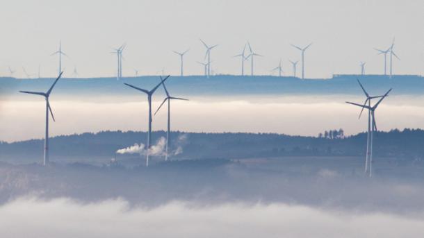 Super-Juni für Strom aus Wind und Sonne