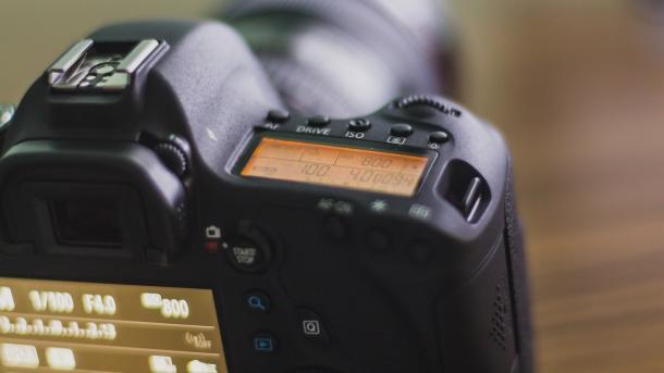 Canon zeigt EOS 6D Mark II und 200D