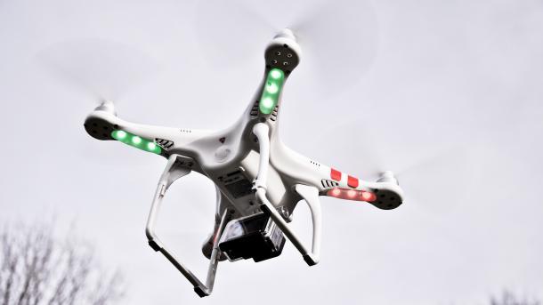 Flugsicherung warnt vor Gefahren für Luftverkehr durch Drohnen