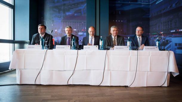 Ost-Innenminister bringen gemeinsames Abhörzentrum auf den Weg