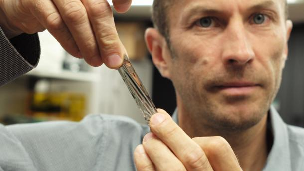 IBM-Forscher: Bis zu 330 TByte auf handtellergroße Magnetband-Kassette