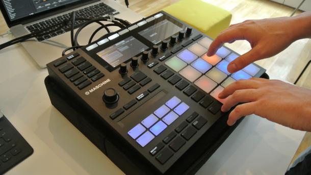 Hands-on Maschine MK3 und Kontrol-Keyboards: Native Instruments renoviert Musik-Hardware