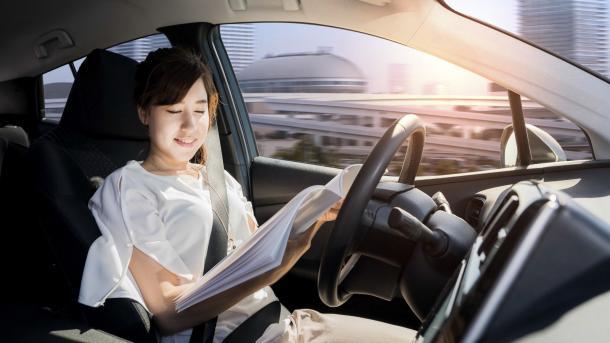 Studie: Menschen wollen im Auto lieber selbst die Kontrolle haben