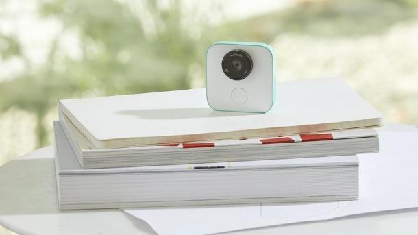 Google Clips: Smarte Kamera soll Fotografen aufs Bild holen