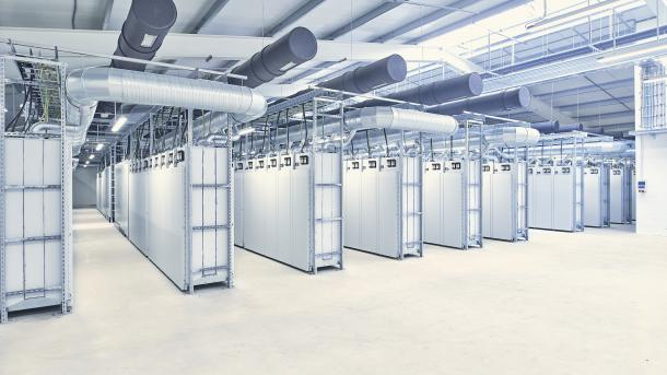 E-Auto-Batterien: Ersatzteillager geht als Stromspeicher ans Netz