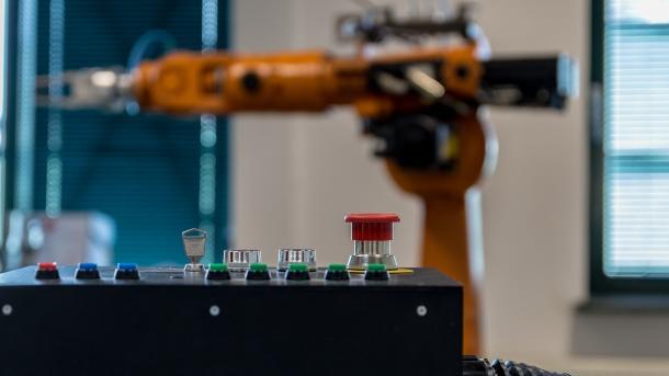 """Uni Hannover eröffnet """"Roboterfabrik"""" zur Nachwuchsförderung"""