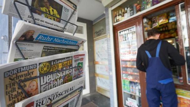 Zeitungen an Kiosk