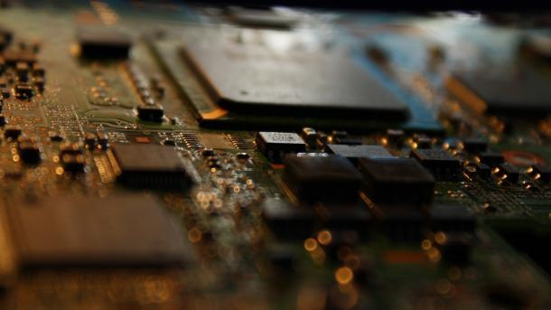 Meltdown und Spectre: Link-Übersicht  zu Informationen von Hardware- und Software-Herstellern