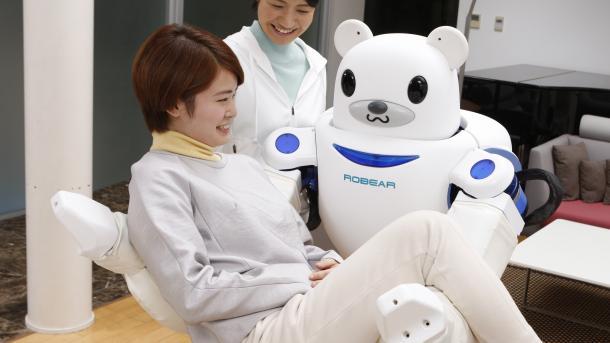 Missing Link: Von Maschinenethik und Datenschatz der Therapie- und Pflegeroboter