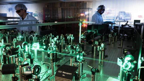 Fünf Monate in Betrieb: Röntgenlaser European XFEL begeistert Forscher