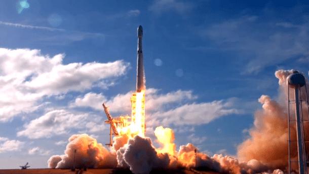 Start der Rakete Falcon Heavy