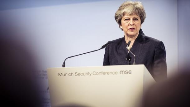 Münchner Sicherheitskonferenz: May wirbt für Zusammenarbeit bei der inneren Sicherheit