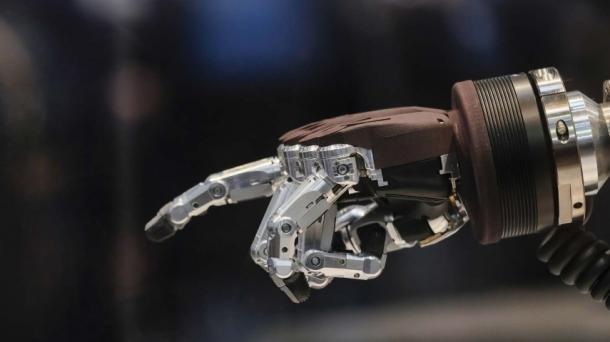 Wie Roboter zum Lernen motivieren können