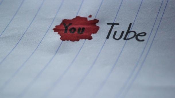 YouTube schaltet weiterhin Werbung vor extremistischen Inhalten