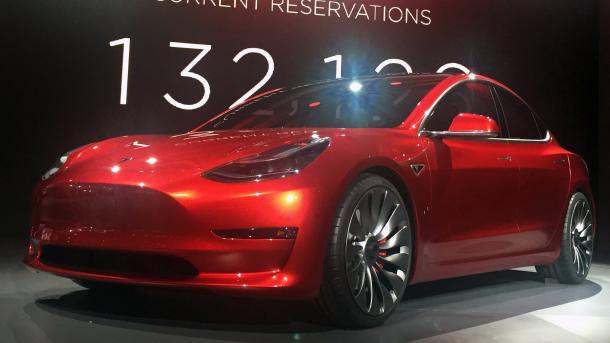 Rotes Model 3