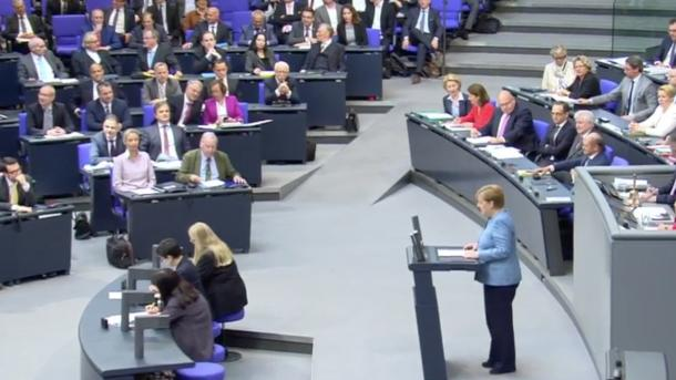Merkel will Autohersteller nicht mit Konsequenzen aus Diesel-Skandal schwächen