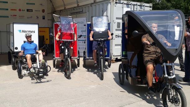 Paketdienste experimentieren in Berlin mit Lastenrädern
