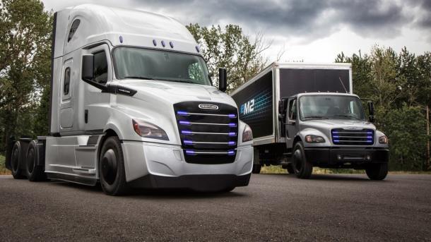 Elektro-Lkw: Daimler stellt Freightliner eCascadia und Freightliner eM2 106 vor