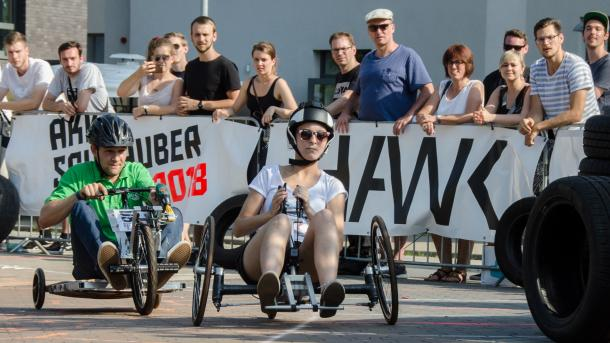 Ostfriesen siegen beim Akkuschrauberrennen in Hildesheim