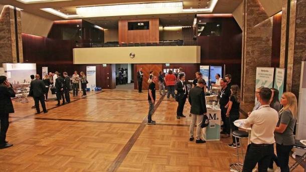 IT-Jobtag in Frankfurt am Main: Arbeitgeber und Bewerber treffen sich am 14. Juni