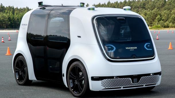 Erste Testfahrt in VWs Roboteraute Sedric