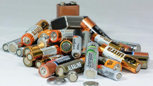 20 Jahre Sammelboxen: Nur jede zweite Batterie wird recycelt
