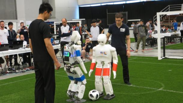RoboCup-WM 2018: Roboterhochsprung für die Fußball-WM 2050