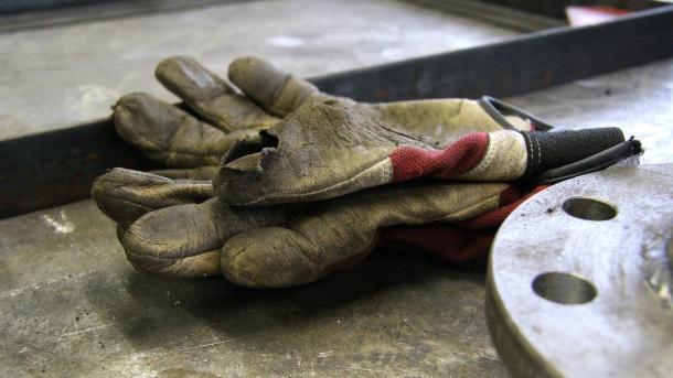 Maschinenbau: Arbeitskräftemangel behindert Produktion