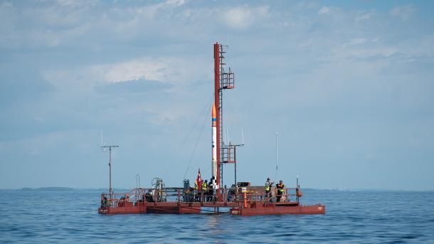 Die Nexø II auf der Startplattform Sputnik.