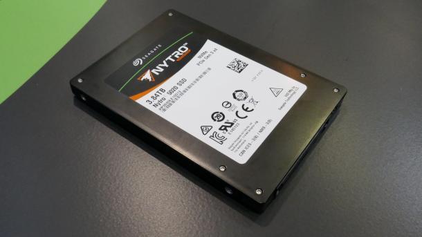 Seagate bringt SSDs mit Toshiba-NAND