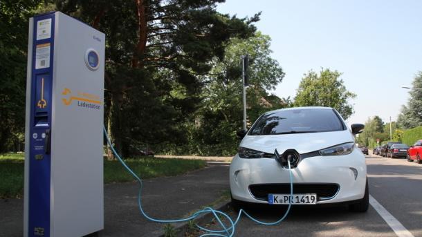 Elektroautos: Eon sieht ausreichend Ladestationen